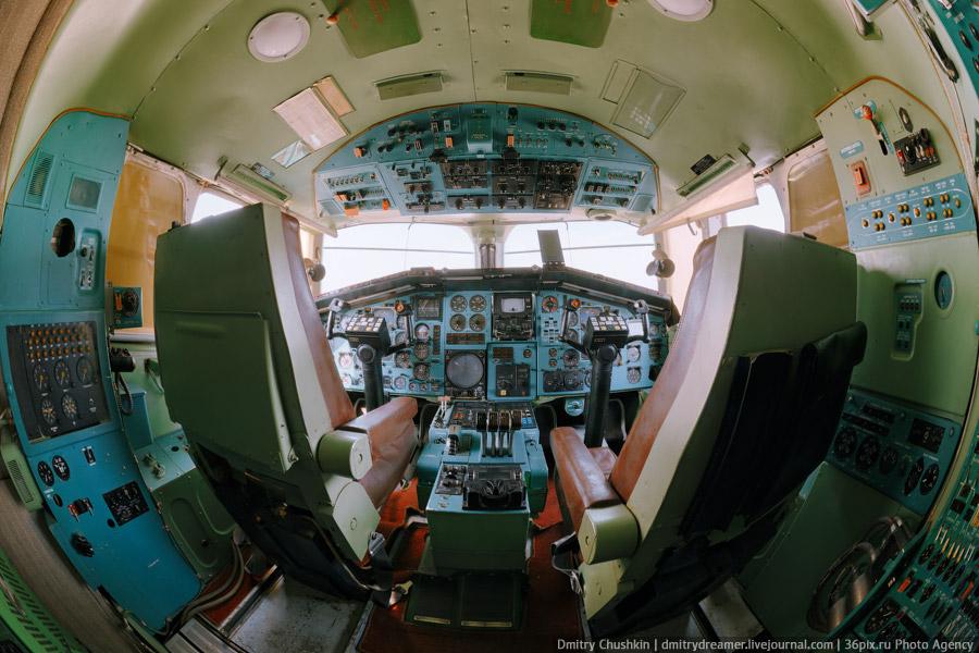 Панорама кабины самолета Ту-144