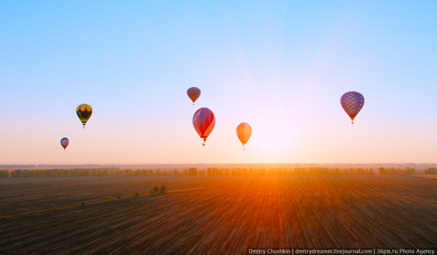 Воздушные шары в небе под Воронежем